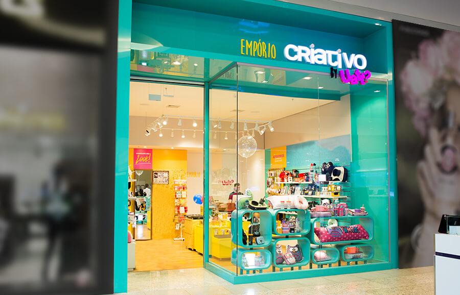Fachada de loja colorida de presentes criativo. Veja como montar uma loja perfeita no Boas Vendas.